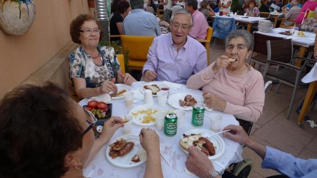 Dolores Montilla compartió mesa con su hermano Juan y otros familiares