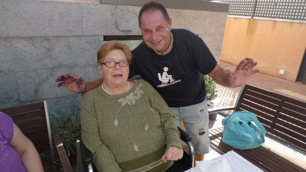 Paquita Barrilao con su hijo Miguel
