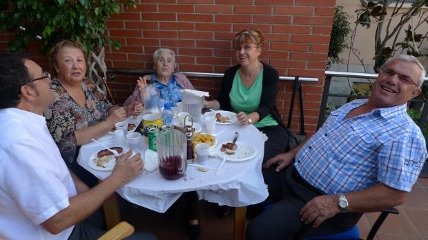 Mercedes Pérez y familia