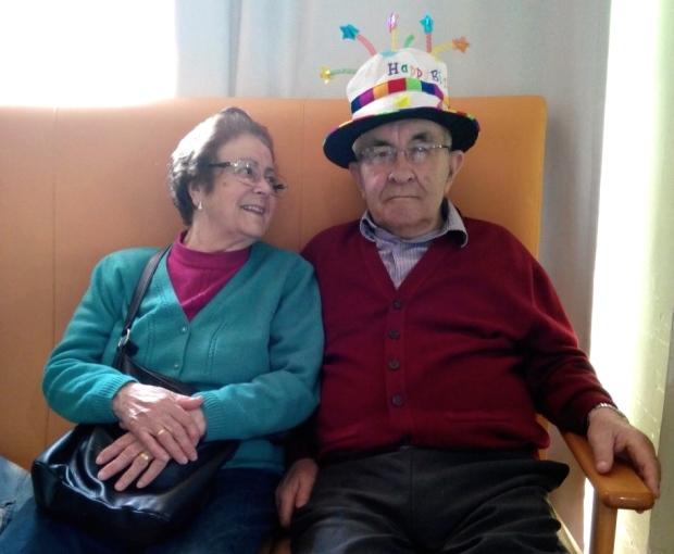 Esta foto es parecida a la primera; pero no es igual y vale la pena ver a Jacinta y a Pepe tan contentos